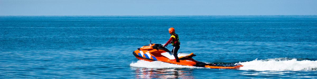 Reddingsbrigade waterscooter reddingsvaartuig