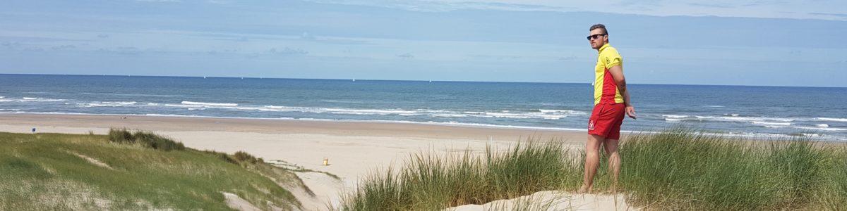 Reddingsbrigade toezicht strand IJmuiden