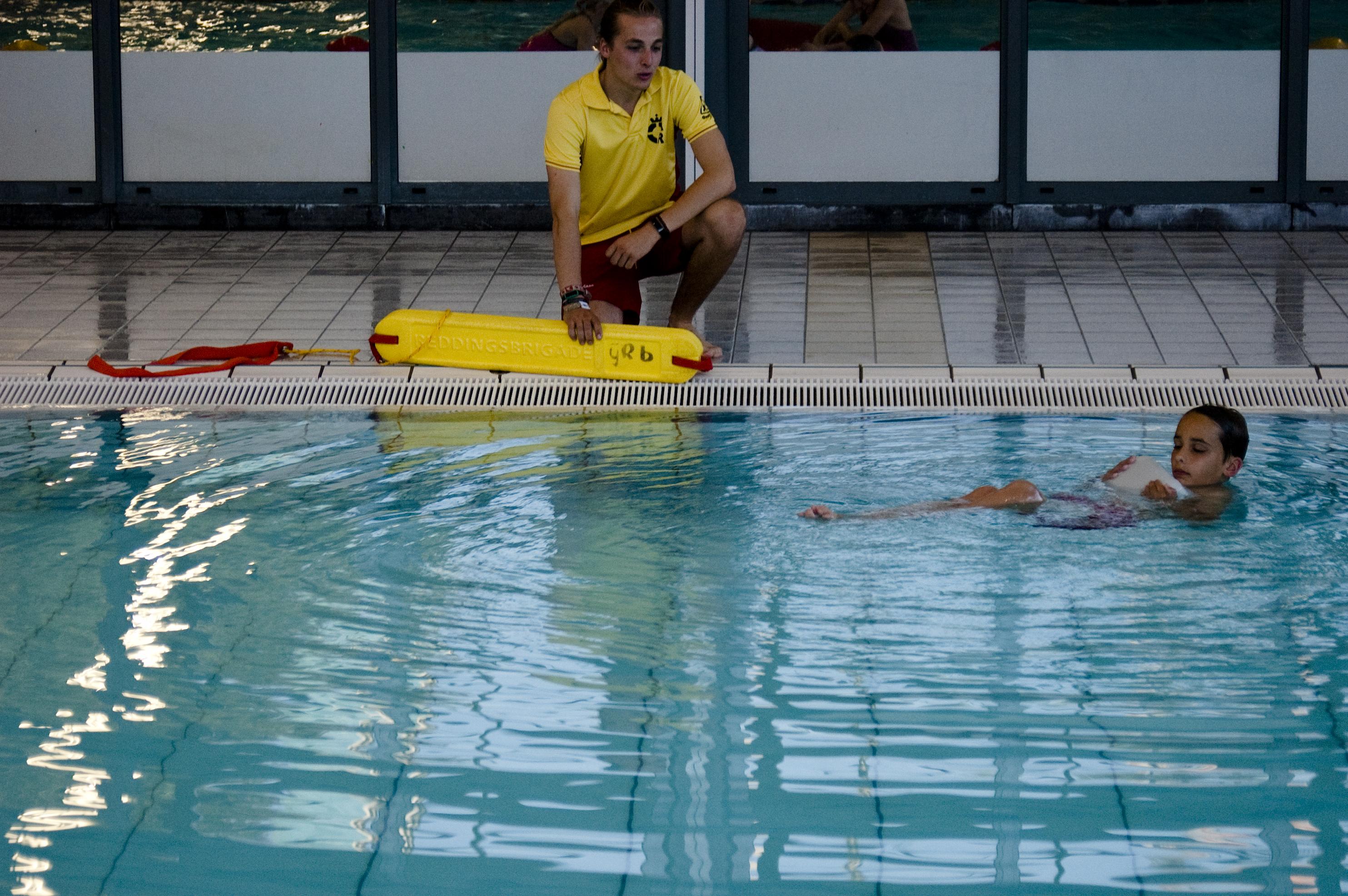Zwemles IJmuider Reddingsbrigade Junior Redder diploma's