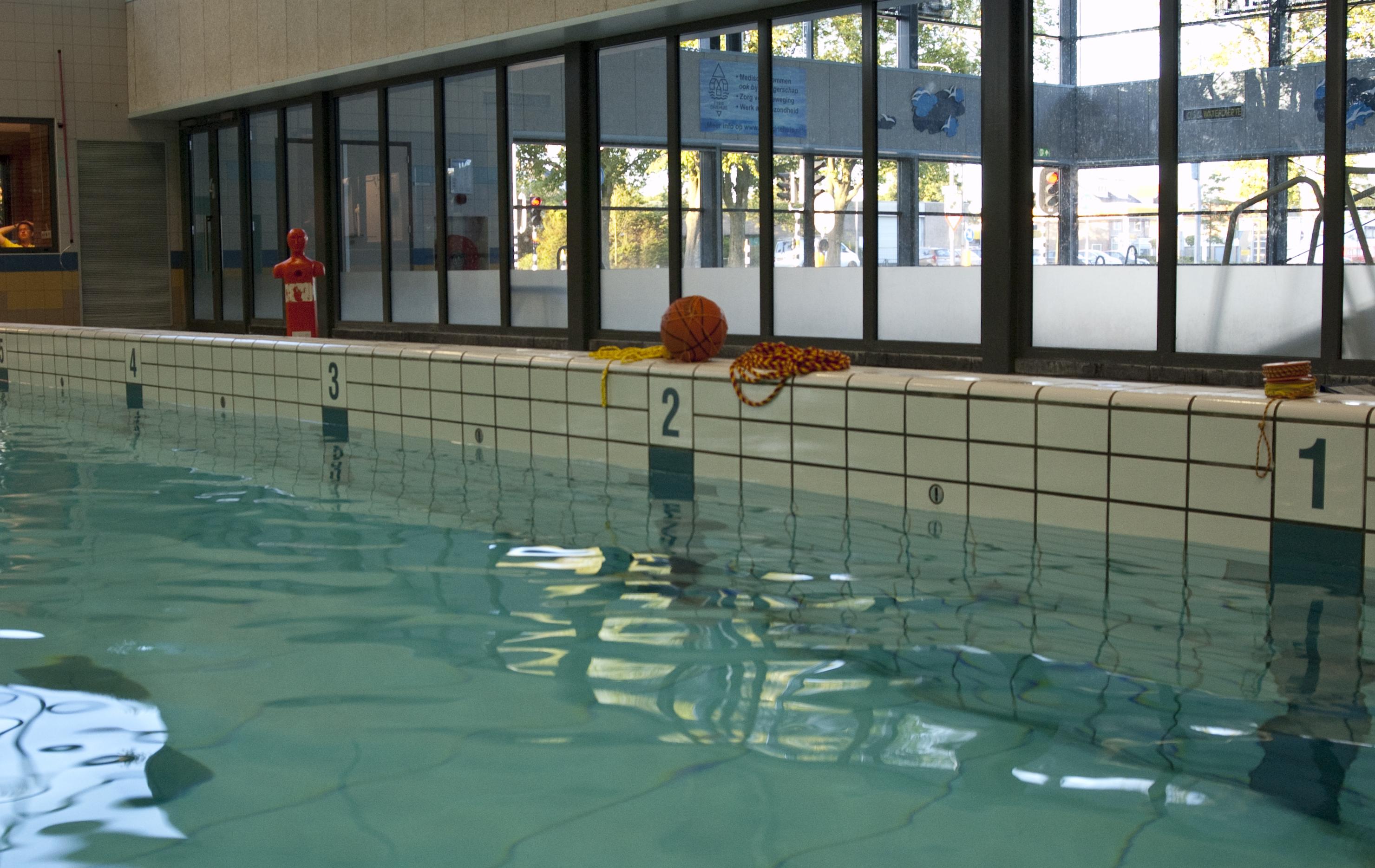 Zwembad de Heerenduinen - Zwemles - Reddingsmateriaal